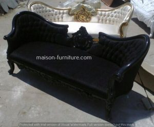 french baroque sofa manufactured by maison furniture company specialized in french furniture wholesale